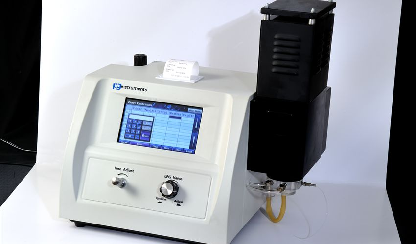 Sample data and results are Printed via a embedded printer unit.